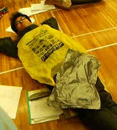 稽古、休憩中に寝てる阿川